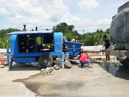 diesel concrete pump working